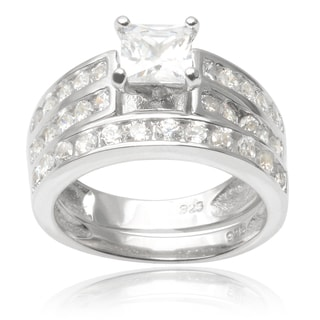 Journee Collection Sterling Silver Cubic Zirconia Wedding Ring Set