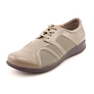 Softwalk Women's 'Topeka' Leather Athletic Shoe - Wide (Size 9 )