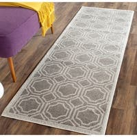 Safavieh Indoor/ Outdoor Amherst Grey/ Light Grey Rug (2'3 x 11')