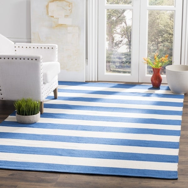 Safavieh Montauk Hand-Woven Flatweave Blue/ Ivory Stripe Cotton Rug - 9' x 12'