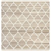 Safavieh Hand-Woven Natural Kilim Light Grey/ Ivory Wool Rug - 5' Square