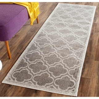 Safavieh Indoor/ Outdoor Amherst Grey/ Light Grey Rug (2'3 x 9')