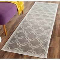 Safavieh Indoor/ Outdoor Amherst Grey/ Light Grey Rug - 2'3 x 9'