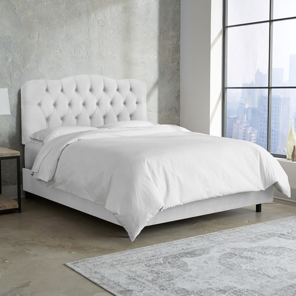 Tufted Bed in Velvet White- Skyline Furniture