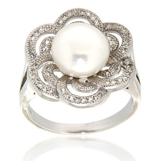 Pearlz Ocean Sterling Silver White Freshwater Pearl and White Topaz Flower Ring (9-10 mm)