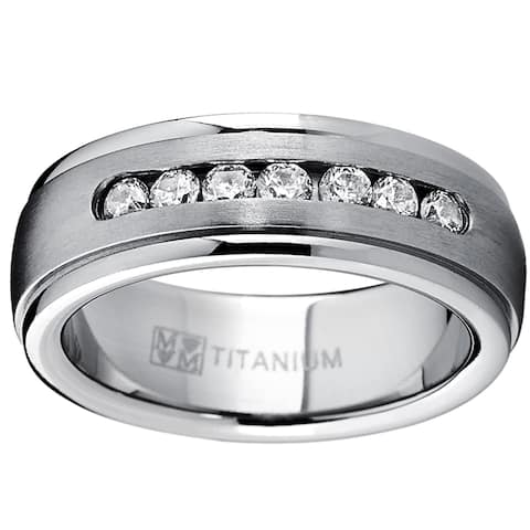 Oliveti Men's Dome Titanium Cubic Zirconia Comfort Fit Wedding Band (7 mm) - Silver