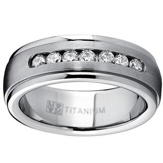 Oliveti Men's Dome Titanium Cubic Zirconia Comfort Fit Wedding Band (7 mm) - Silver