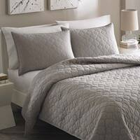 The Grey Barn Sunset Moroccan Medallion Stone Grey Cotton 3-piece Quilt Set