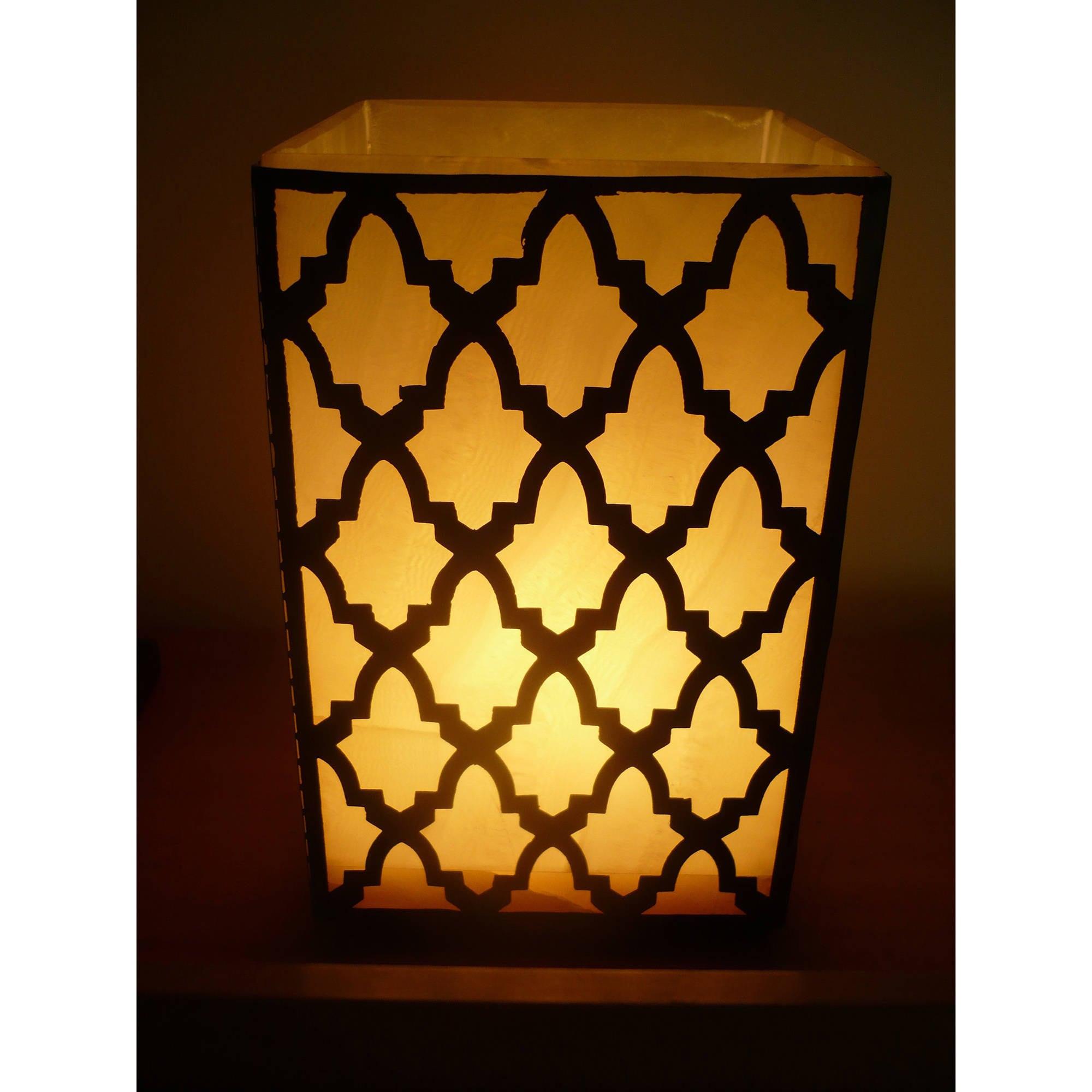 Handmade Egyptian Alabaster Zamalek Lamp (Egypt) (bold patterned alabaster accent lamp)