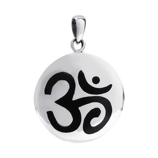 Handmade Aum or Ohm Prayer Sign .925 Silver Round Disc Pendant (Thailand)
