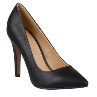 Journee Collection Women's 'Yoko-m' Pointed Toe Matte Finish Pumps
