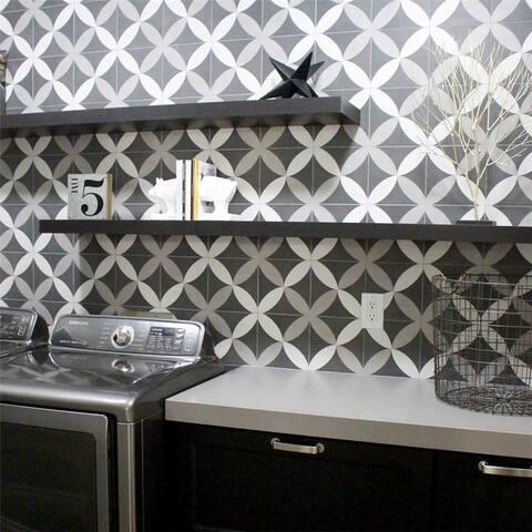 SomerTile 7.75x7.75-inch Thirties Petal Ceramic Floor and Wall Tile (25 tiles/11 sqft.)