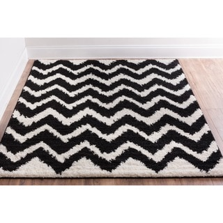 Well Woven Passion Chevron Black and Ivory, White Shag Area Rug (6'7 x 9'10)