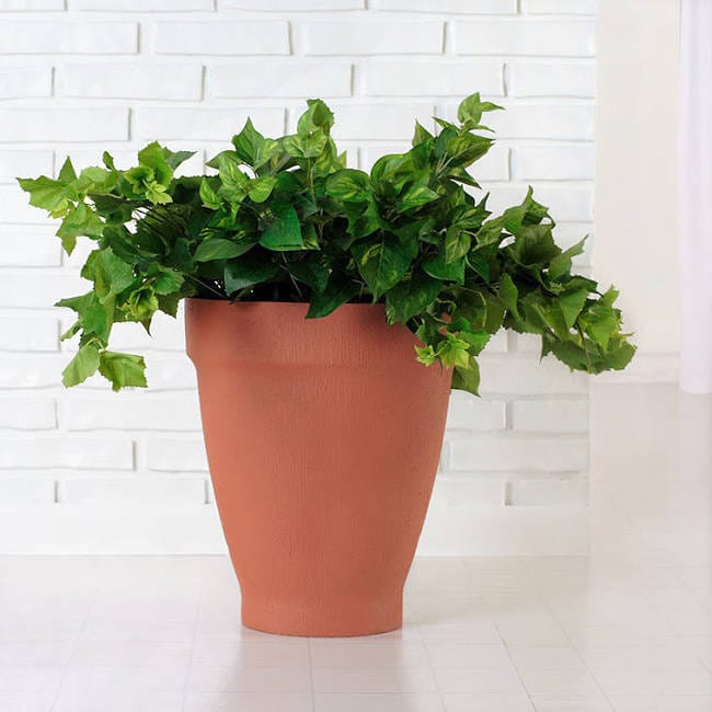Handmade Polyresin Terra Cotta Planter (Indonesia) (Terra...