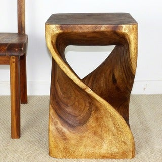 Handmade 23-inch Walnut Oiled Acacia Wood Twist Stool (Thailand)