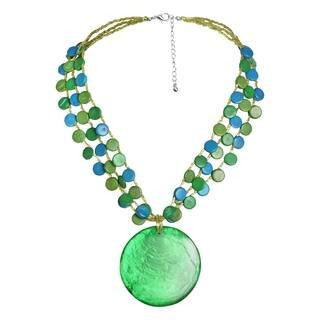 Handmade Dazzling Green Medallion Statement SeaShell Beachy Necklace (Philippines)|https://ak1.ostkcdn.com/images/products/9195800/P16368319.jpg?impolicy=medium