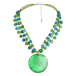 Handmade Dazzling Green Medallion Statement SeaShell Beachy Necklace (Philippines)