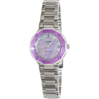 Casio Women's Core LTP1366D-6A Silvertone Stainless Steel Quartz Watch with Mother-Of-Pearl Dial
