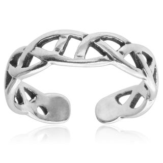 Journee Collection Sterling Silver Celtic Knot Toe Ring