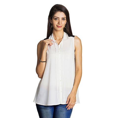 Handmade Women's Off-white Pleated Placket Sleeveless Top (India)