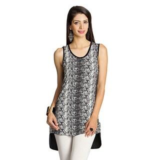 Handmade Mohr Women's Black/ White Printed-front Sleeveless Top (India)