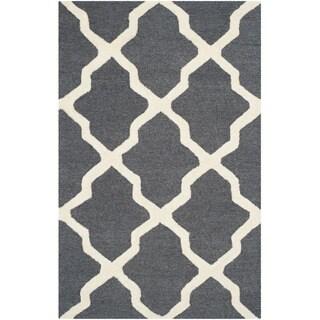 Safavieh Handmade Moroccan Cambridge Dark Grey/ Ivory Wool Rug (2'6 x 4')