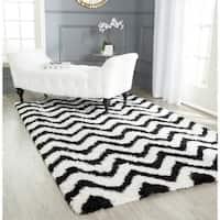 Safavieh Handmade Barcelona Shag White/ Black Chevron Polyester Rug - 5' Square