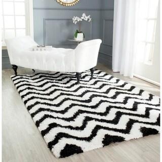 Safavieh Handmade Barcelona Shag White/ Black Chevron Polyester Rug (8' x 10')