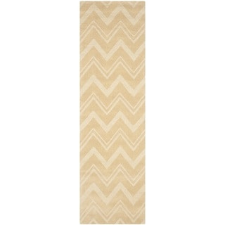 Safavieh Handmade Impressions Dark Gold Wool Rug (2'3 x 8')