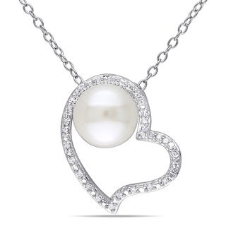 Miadora Sterling Silver Pearl and 1/10ct TDW Diamond Heart Necklace (H-I, I2-I3) (8-8.5 mm)