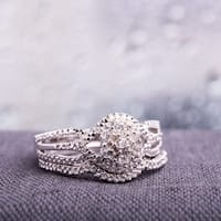 Miadora Sterling Silver 1/7ct TDW Diamond Cluster Split Shank Bridal Ring Set