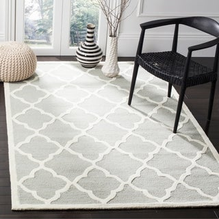 Safavieh Handmade Moroccan Cambridge Light Grey/ Ivory Wool Rug (4' x 6')