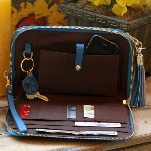 Concealed Carrie Compact Clutch