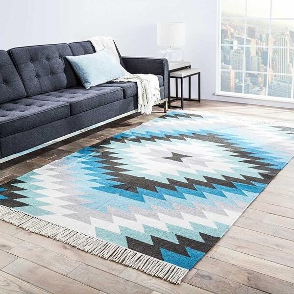Sahara Indoor/ Outdoor Geometric Aqua/ Gray Area Rug - 8' x 10'