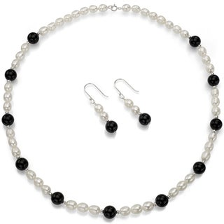 DaVonna Sterling Silver White Freshwater Pearls and Black Onyx Jewelry Set (6-7 mm)