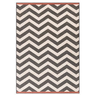 Meticulously Woven Ariana Chevron Indoor/Outdoor Area Rug (5'3 x 7'6)