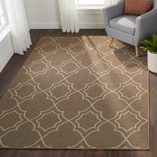 Meticulously Woven Natasha Contemporary Trellis Indoor/Outdoor Area Rug (6' x 9')