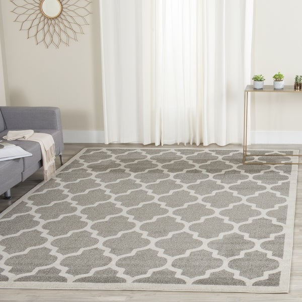Safavieh Indoor Outdoor Amherst Dark Grey Beige Rug 5x8