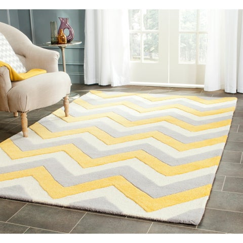 Safavieh Handmade Cambridge Chevron Grey/ Gold Wool Rug - 4' x 6'