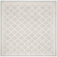 Safavieh Indoor/ Outdoor Amherst Light Grey/ Beige Rug - 7' Square