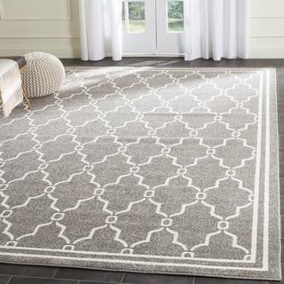 Safavieh Indoor/ Outdoor Amherst Dark Grey/ Beige Rug (7' Square)