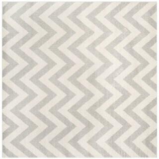 Safavieh Indoor/ Outdoor Amherst Light Grey/ Beige Rug (7' Square)