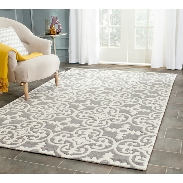 Safavieh Handmade Moroccan Chatham Dark Grey/ Ivory Wool Rug - 5' x 8'