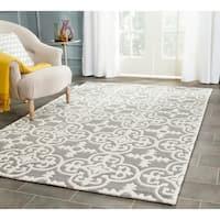 Safavieh Handmade Moroccan Chatham Dark Grey/ Ivory Wool Rug - 4' x 6'