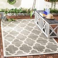 Safavieh Indoor/ Outdoor Amherst Dark Grey/ Beige Rug - 4' x 6'
