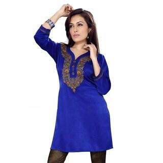 Handmade Women's Royal Blue Velvet Embroidered Indian Kurti Tunic (India)