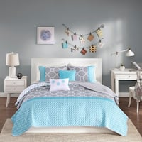 Palm Canyon Amatista Aqua Coverlet Set