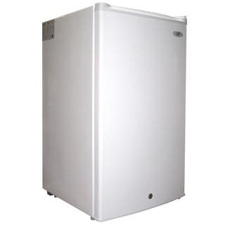 SPT White Energy Star Upright Freezer|https://ak1.ostkcdn.com/images/products/9246725/P16412630.jpg?impolicy=medium