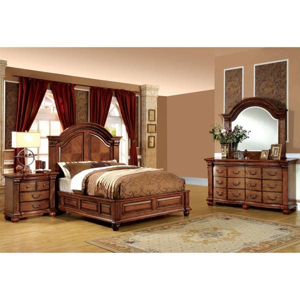 Shop Traditional Antique Tobacco Oak 4-Piece Bedroom Set by ...