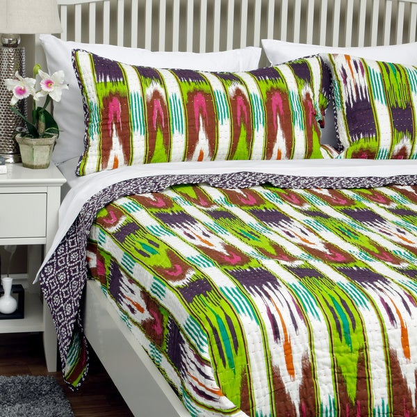 Majestic Multi-colored Print Reversible King-size Quilt Set